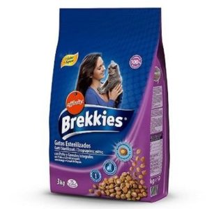 Piensos para gatos esterilizados Brekkies con pollo y verduras